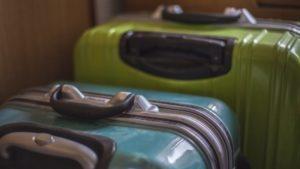 ホテルに事前に荷物を送れる?また受け取り方は?身軽に動く方法【スーツケース】【ボストンバッグ】