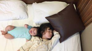 ビジネスホテルに赤ちゃん(乳幼児)は宿泊できる?ベビーベッド、お風呂は借りられる?